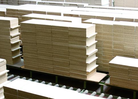 1999: Producción de módulos e introducción de laminado DPL